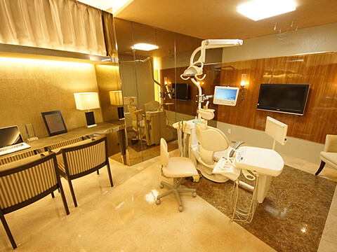 歯科医院らしくない雰囲気の院内